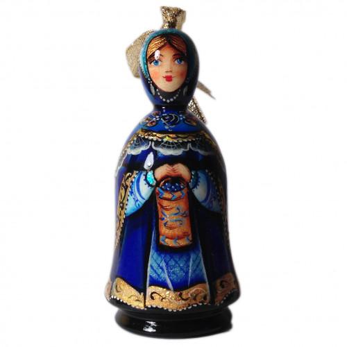 Резная деревянная елочная игрушка-куколка